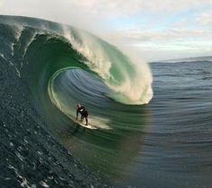 Surfing - Cornwall, England  Genial los dones dados a los seres humanos, hay que admitirlo