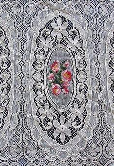 Ooh La La French Antique Lace Amp Petitpoint Roses Coverlet   Vintageblessings