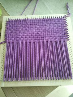 Addictive weaving Tutorials to try this summer - Knitting Pin Weaving, Weaving Art, Tapestry Weaving, Loom Weaving, Basket Weaving, Rug Loom, Loom Knitting Projects, Weaving Projects, Loom Crochet