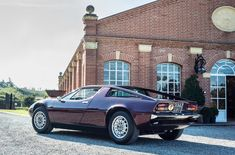 It's the middle of November, but a warm sun lights up the colours of the autumn foliage and the magnificent Cordova red of this Maserati Merak. Maserati 3200 Gt, Maserati Merak, 70s Cars, Cars Uk, Family Affair, Classic Italian, Mercedes Benz, Ferrari, Classic Cars