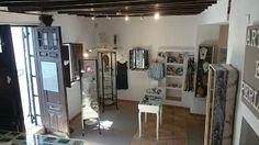 Boutique Art E perlas en Altea, calle del Sol nº4 - Alicante - Costa Blanca. Altea, Boutique, Alicante, Mirror, Closet, Furniture, Home Decor, Sun, Black Pearls