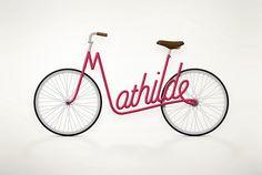 Juri Zaech uit Parijs maakte het project 'Write a Bike'. Een creatieve serie concept designs met fiets frames in de vorm van verschillende namen.