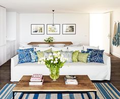Collette Dinnigan has transitioned from fashion to interior design, working with boutique hotel Bannisters by the Sea in Mollymook to transform two penthouse suites with her famously feminine touch. #glooming #interiors #designing #indoor #outdoor