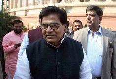 Samajwadi Party sacks Ram Gopal Yadav - http://thehawk.in/news/samajwadi-party-sacks-ram-gopal-yadav/