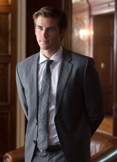 Liam Hemsworth looking hot in Paranoia (see 3 more here!)