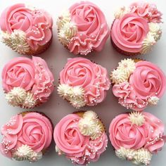 Many individuals don't think about going into company when they begin cake decorating. Many folks begin a house cake decorating com Mini Cupcakes, Cupcakes Roses, Tolle Cupcakes, Buttercream Cupcakes, Pretty Cupcakes, Beautiful Cupcakes, Cupcake Frosting, Wedding Cupcakes, Cupcake Cookies