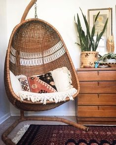 3 Endless Clever Ideas: Vintage Home Decor Inspiration Farmhouse Style vintage home decor cottages shabby chic.French Vintage Home Decor Brocante vintage home decor boho pillows.Vintage Home Decor Inspiration Guest Rooms. Retro Home Decor, Home Decor Styles, Vintage Decor, Living Room Chairs, Living Room Decor, Mid Century Modern Bedroom, Design Living Room, Swinging Chair, Hammock Chair With Stand