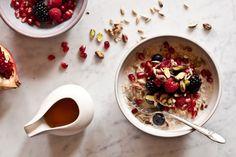 Ovesná fermentovaná kaše Pomegranate Seeds, Kitchenette, Acai Bowl, Oatmeal, Cherry, Fruit, Cooking, Breakfast, Recipes