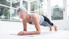 Ken jij de plank? Het is een goede oefening waarmee je bijna je hele lichaam traint. Je zet niet alleen je buik- en rugspieren ermee aan het werk, maar ook je bilspieren, bovenbenen, armen en schouders train je ermee. Best een zware oefening, maar met een beetje oefenen lukt het jou ook om in een maand bijna drie minuten achtereen te planken. Doe mee met onze 31 dagen plankchallenge van 1 tot 31 maart!