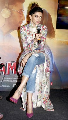 Fashion dresses - Deepika Padukone interacting with the media while celebrating the success of Tamasha's music Kurta Designs, Kurti Designs Party Wear, Blouse Designs, Dress Indian Style, Indian Dresses, Indian Outfits, Look Fashion, Indian Fashion, Fashion Outfits