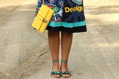 fashion details, flat green sandals, yellow handbag, frill dress, dettagli outfit, moda curvy, moda plus size
