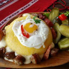 Bulz ciobanesc. Romanian Food, Food Court, Polenta, Food And Drink, Breakfast, Recipes, Morning Coffee, Catering