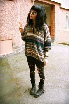 not a fan of the tights bUT THIS SWEATER THOUGH.......