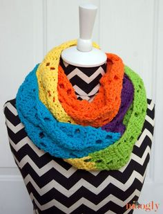 Free Crochet Pattern: Neon Dreams Infinity Scarf - moogly - The Neon Dreams Infinity Scarf is indeed the stuff dreams are made of. Dreams of bright, bold hues, ultra modern color blocking, super chunky scarves and cowls, and infinite possibilities!