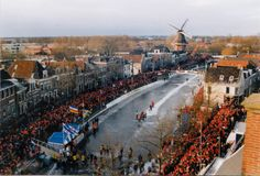 Het keerpunt in Dokkum betekent voor de Elfstedenschaatsers het meest noordelijke puntje van de tocht