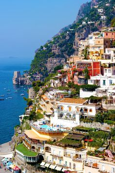 ✯ Positano on the Amalfi Coast--I've always wanted to go to places like this.  Maybe when the economy gets better?