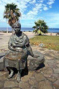 La statue de Gerty Archimède à Basse-Terre - Le blog de Mylène Colmar