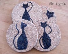 Having some friends over for drinks? Protect your furniture with these beautiful cork coasters! Or… Are you the invited one? This would be the perfect