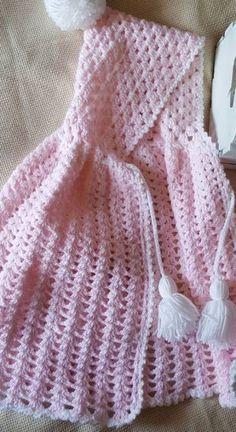 ideas for crochet poncho bebe layette Baby Clothes Blanket, Baby Poncho, Crochet Baby Cardigan, Crochet Poncho Patterns, Baby Girl Crochet, Crochet Baby Clothes, Crochet For Kids, Baby Patterns, Knit Crochet