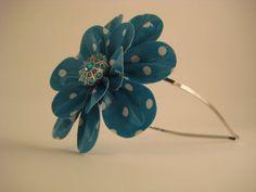 duct tape flower headband Duct Tape Projects, Duck Tape Crafts, Diy Headband, Headbands, Stuff To Do, Fun Stuff, Duct Tape Flowers, Girls Hand, Goodies