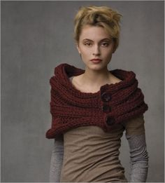Capelet with Buttons - Interweave by Teva Durham.  How cute is this.  Simple and loaded with style.