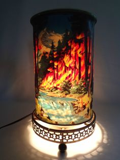 My grandparents had this one! I used to love to watch it..The inside of the lamp would spin causing the illusion the movement to the fire and water. When grandma passed, grandpa gave me the light...now my daughter has it, and my grandsons get to see the flames and water move. <3