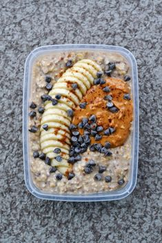 Calling all peanut butter, banana, and chocolate lovers! Chunky monkey overnight oats are the make-ahead breakfast you'll go bananas (or nuts) for! This chunky monkey overnight oats recipe is part of Week 1 of our Vegan Meal Prep series. Print Chunky Monkey Overnight Oats Author: Rachel Leung Recipe type: Breakfast, Vegan, Gluten Free Serves: 4 servings   Ingredients...Read More »