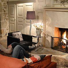 open haard - la paresse en douce - chambres d'hotes - b&b - auvergne - france Table D Hote, Inspiration, Furniture, Home Decor, Sloth, Bedrooms, Chair, Biblical Inspiration, Decoration Home