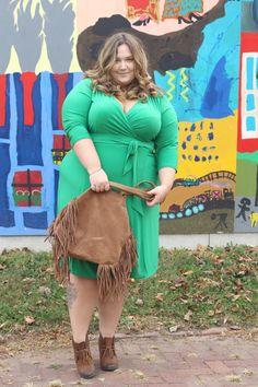 Plus Size Fashion -  fatgirlflow.com