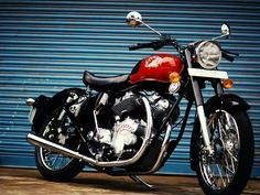 Carberry Motorcycles has launched the Double-Barrel a 1000 cc V-Twin bike with Royal Enfield parts. It is priced at lakh rupees, making it the cheapest bike in India. Enfield Bike, Enfield Motorcycle, Motorcycles In India, Triumph Street Twin, Madrid, Bike Prices, Harley Davidson Iron 883, Enfield Classic