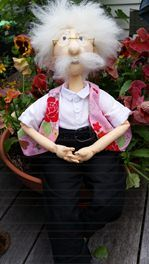 Pattern only    Size of Doll: 19 inch mature character doll  Designer: Red Hen Designs (Raewyn Parker)    Albert is the long time best friend and sweetheart of ...