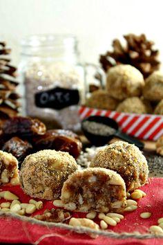 No Bake Coconut Energy Bites with Dates - Sugar Free #sugarfree #energybites #coconut