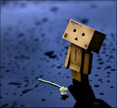 """Bible said """"faith,love and hope."""" Where's hope ? : DANBO : where's hope. Danbo, Box Robot, Amazon Box, Little Boxes, Toys Photography, Never Give Up, Dark Art, Stickers, Street Art"""