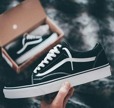 *Vans Old Skool* quality sizes ◾Rs Extra shipping Dm For Place your order Grab it before stock out Sneaker Outfits, Converse Sneaker, Trendy Shoes, Cute Shoes, Me Too Shoes, Casual Shoes, Moda Sneakers, Sneakers Mode, Superga Sneakers