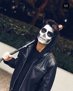 Δ Erick Brian Colón Δ ( Up Halloween, Halloween Face Makeup, Erik Brian Colon, Marcus And Lucas, Memes Cnco, Casey Jones, Baby Memories, Jessica Biel, Justin Timberlake