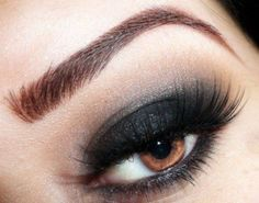 Mundel Make-Up Artistry on how to recreate this smokey eye look! Perfect Makeup, Pretty Makeup, Love Makeup, Makeup Tips, Makeup Looks, Perfect Brows, Awesome Makeup, Makeup Trends, Beauty Make-up