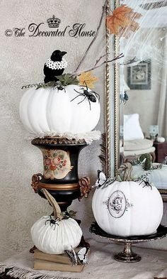 The Decorated House: ~ Halloween Decorating - Black, White