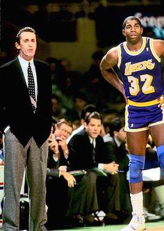 Pat Riley and Magic Johnson I Love Basketball, Basketball Pictures, Basketball Legends, Basketball Players, Lakers Vs Celtics, Showtime Lakers, Pat Riley, Nba Players, Magic Johnson