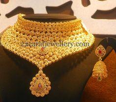 Jewellery Designs: Tremendous Uncut Choker with Jhumka