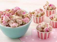 (Princess Party Food) Jeweled Princess Chex Mix: White chocolate-covered Chex gets the royal treatment with a dusting of edible glitter, resulting in a darling (and delicious) party snack! Princess Tea Party, Princess Birthday, Princess Themed Food, Disney Princess, Chex Mix Recipes, Snack Recipes, Edible Glitter, Party Mix, Recipe Using