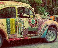 I love this hippy decorated bug!