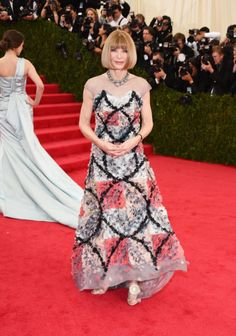 Anna Wintour in Chanel Couture | MET Gala Even though it's Anna, Channel, together... I have some serious mixed feelings about this.