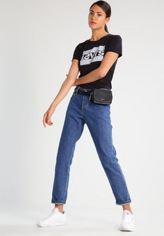 Haz clic para ver los detalles. Envíos gratis a toda España. Levi s® THE PERFECT  Camiseta print black  Levi s® THE PERFECT Camiseta print black Ropa ... d79eb412fe0