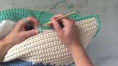 Discover thousands of images about Crochet lesson series Crochet Diy, Tunisian Crochet, Crochet Crafts, Crochet Projects, Crochet Bag Tutorials, Diy Crafts, Crochet Stitches Patterns, Crochet Designs, Knitting Patterns