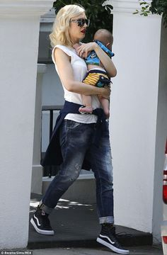 Gwen Stefani and Gavin Rossdale jet out of London with their boys Kingston, Zuma and Apollo (July 24, 2014)