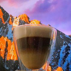 Café promotor de mis logros y motor de mis taquicardias!! Es la forma que tiene el corazón de decir que tiene voz y voto. #cafe #sierra #mac #apple #cafelatte #madrid #recuerdo #corazon #cafeina #montain