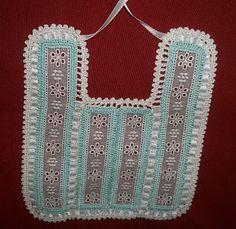 Taller de Artesanía - Frivolité-Bolillos-Crochet Manta Crochet, Crochet Baby, Diaper Covers, Bobbin Lace, Baby Bibs, Little Ones, Baby Items, Google, Felt Baby Shoes