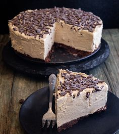Espresso Cheesecake Recipe, Coffee Cheesecake, Cheesecake Desserts, Just Desserts, Dessert Recipes, Tiramisu Cheesecake, Fall Desserts, Healthy Desserts, Chocolate Bomb