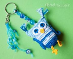 Christmas nostalgia is in the air. November is the perfect time to start with your Christmas Tree decoration. Lace Knitting, Knitting Stitches, Knitting Patterns, Crochet Patterns, Crochet Owls, Crochet Animals, Diy Crochet, Chewbacca, Yarn Needle