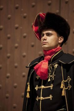 Do you know where the name for cravat, the forerunner of the tie comes from? On 18 October is the 'Day of the Cravat'... fig.: Guard of Honour of the Cravat regiment. Photo by Marko Vrdoljak.